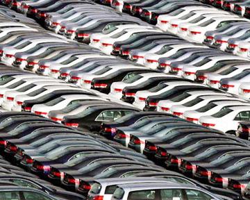О приобретенном автомобиле необходимо сообщить в налоговую