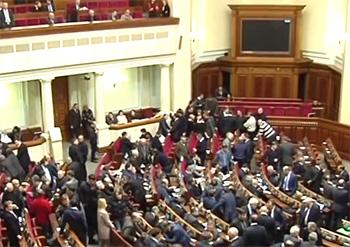 В Украине законодательно запретили георгиевскую ленту