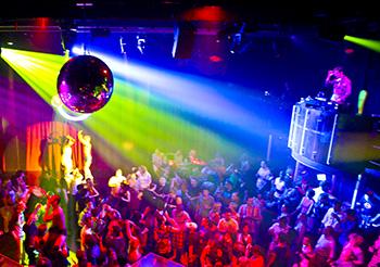 Запрет на посещение ночных клубов детям до 16 лет