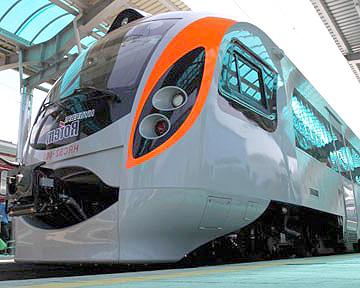 С 6 апреля 2013 года железнодорожные билеты в Украине стали именными