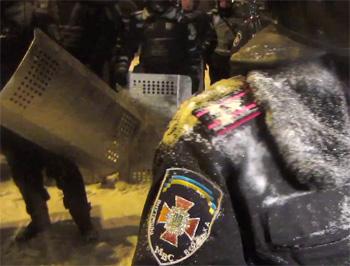 Милиции разрешено ограничивать движение ТС и доступ граждан на объекты