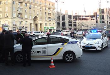 Полицейские призвали спокойно относится к остановкам автомобилей для проверки по розыскным базам